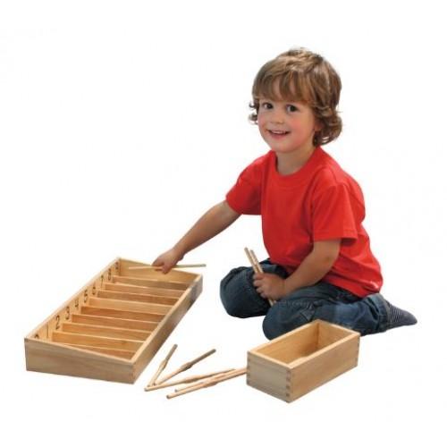 Дървена кутия с пръчки за броене